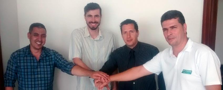 Sérgio Navarro (Navarro Tecnologia), Fernando Santos (Arenda), Jeferson (DBSeller) e Júlio César (ConSystem)